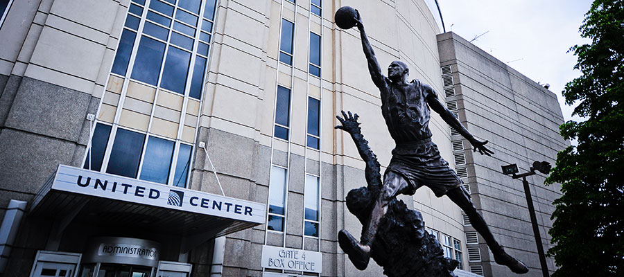 statues united center